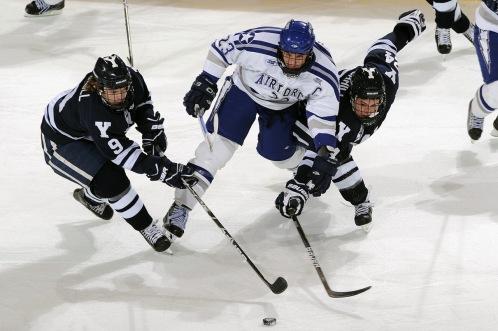 ice-hockey-puck-players-game